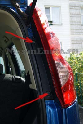 Задний фонарь Nissan Note